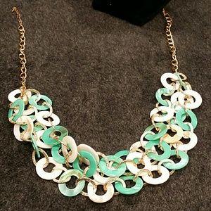 Jewelry - Chunky necklace New